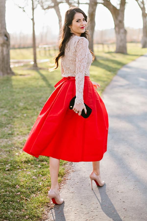 С какими цветами сочетается красный в одежде