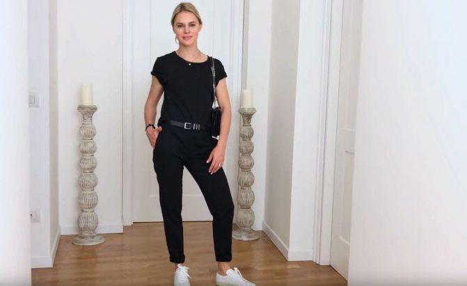 С какой одеждой носить кроссовки женские