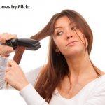 С помощью утюжка можно быстро и легко выпрямить волосы