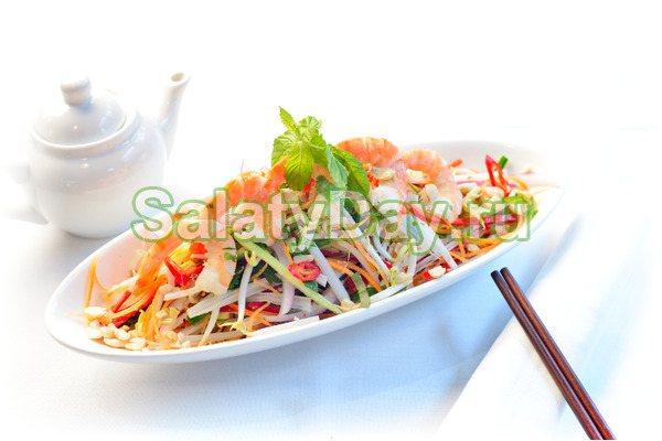 Салат из пекинской капусты и креветок Гой Том