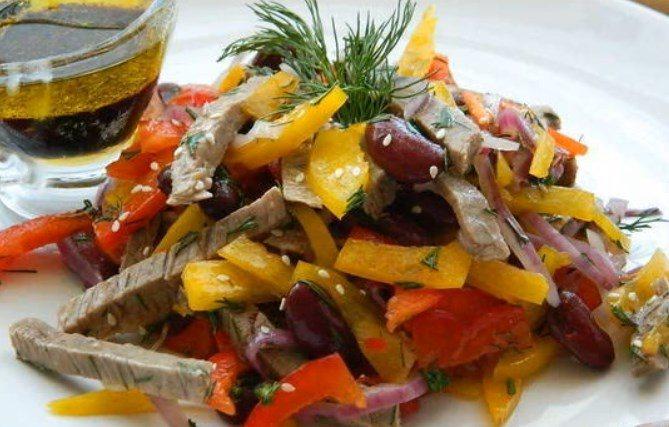 Салат с консервированной фасолью. 11 очень вкусных рецептов