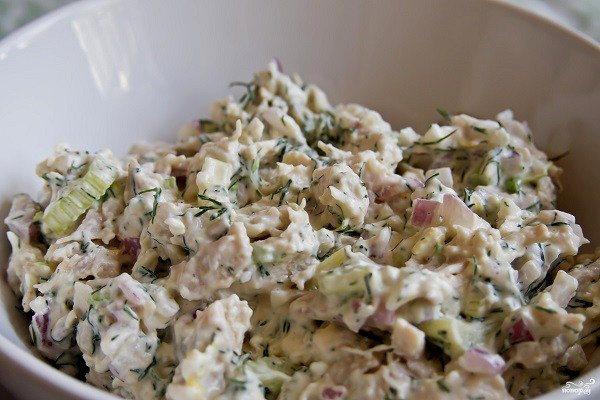 Салат с курицей для детей