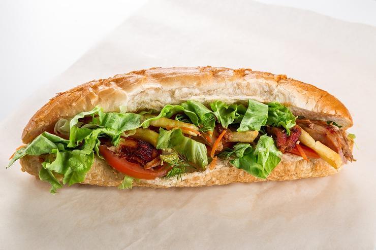 Самодельный бутерброд полезнее фастфуда