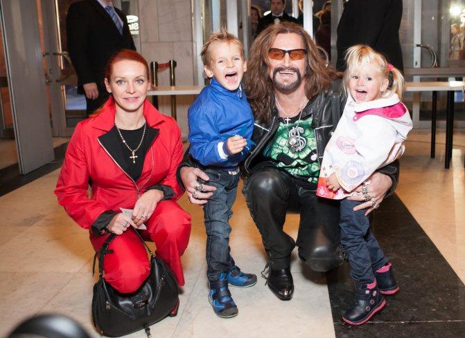Самые необычные имена, которыми наградили своих детей российские звезды