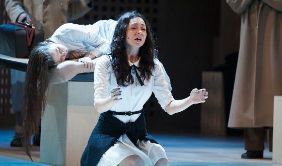 Сейчас Самбурская служит в Театре на Малой Бронной