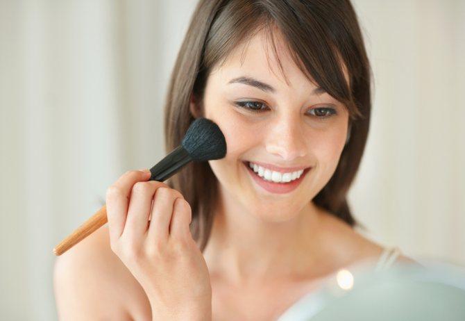 Секреты макияжа в стиле нюд для зеленоглазых девушек