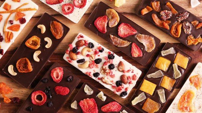 Шоколад с фруктами