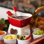 Шоколадное фондю – самое романтическое угощенье! Готовим восхитительное белое и темное шоколадное фондю для удовольствия