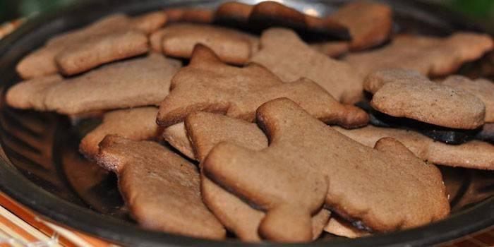 Шоколадные фигурные песочные печенья