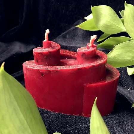Сила красных восковых свечей