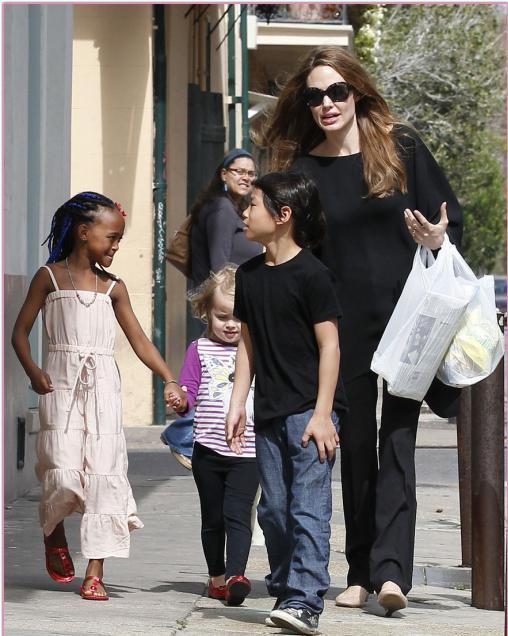 Сколько детей у Анджелины Джоли