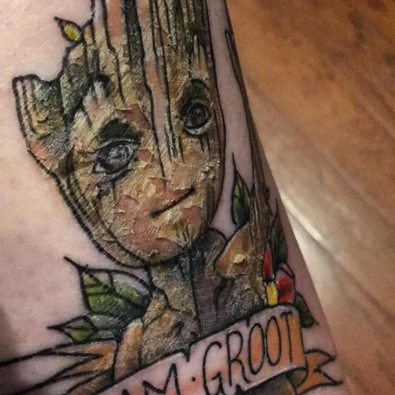 сколько заживает тату