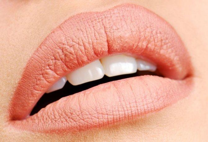 Сколько заживает татуаж губ