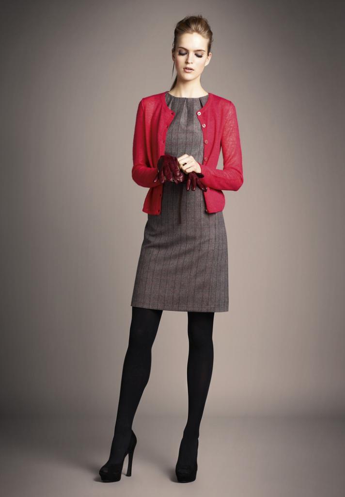Сочетание красного цвета в одежде на фото