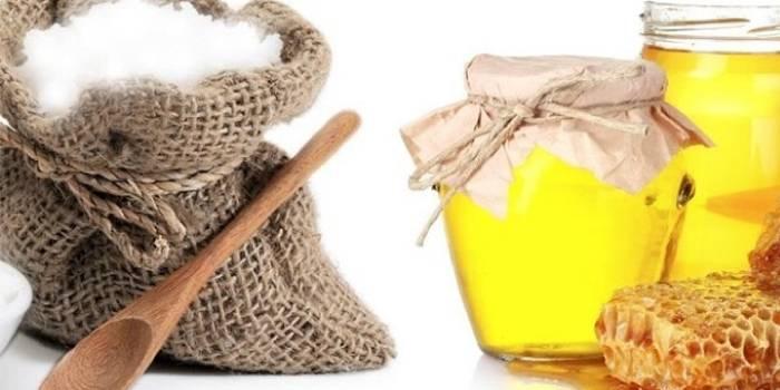 Сода и мед для скраба