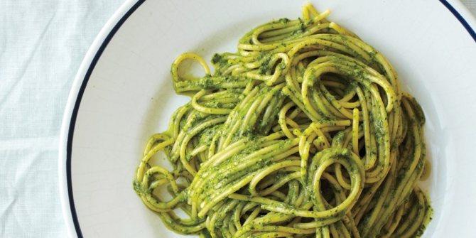 Спагетти с песто