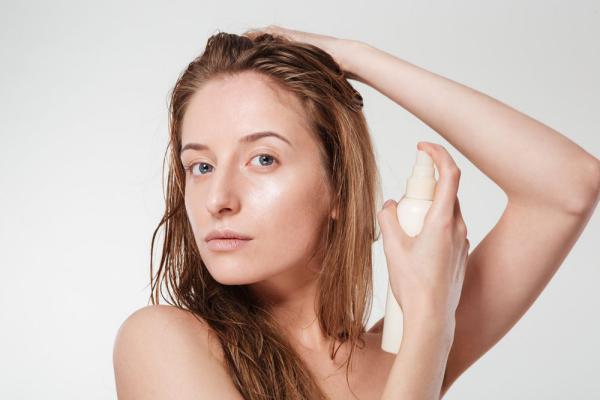 Спрей для выпрямления волос