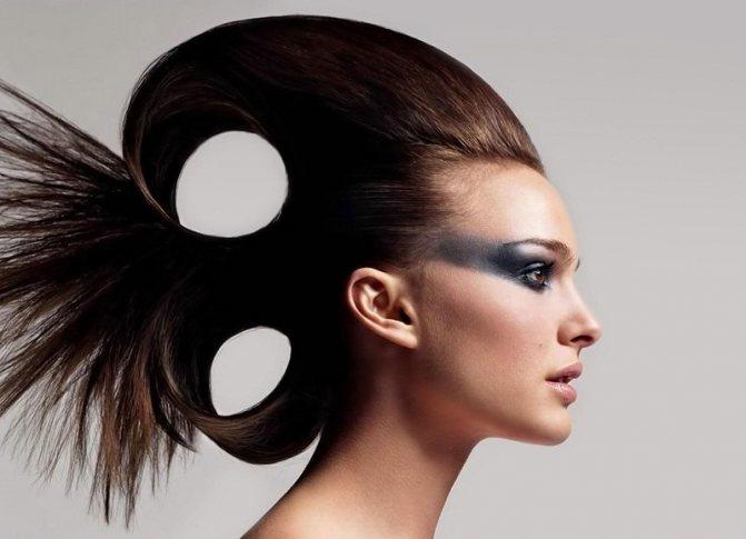 Стиль поп-арт в прическах на длинные темные волосы: фото