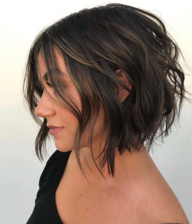 стрижка боб на волнистые волосы фото 7