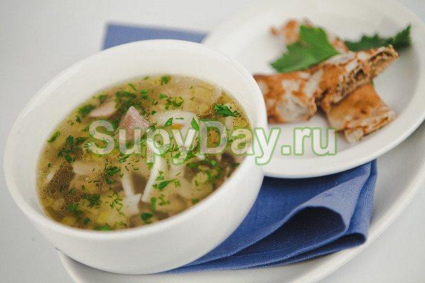Суп с утиными потрохами и лапшой