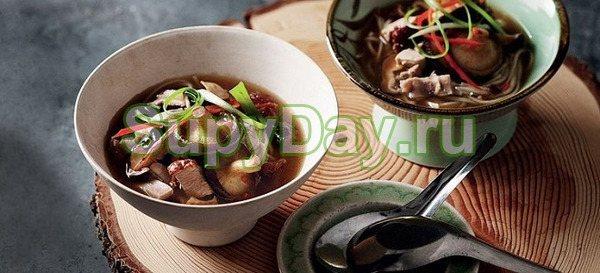Суп с запеченной уткой и грибами шиитаке