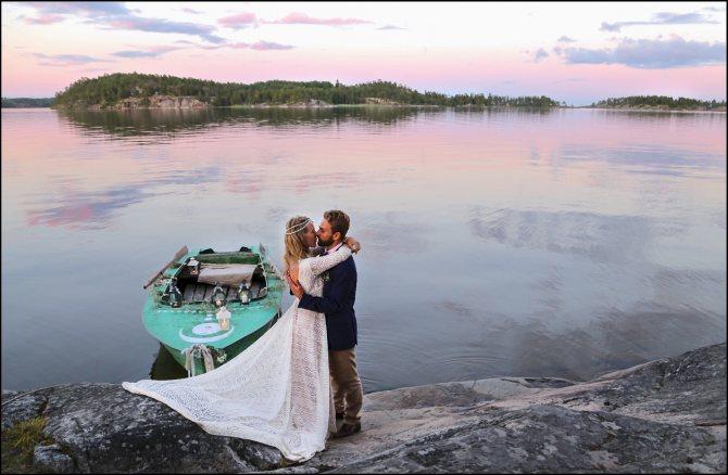 Свадьба в лесах Карелии станет запоминающимся событием и для самих молодоженов, и для гостей торжества.