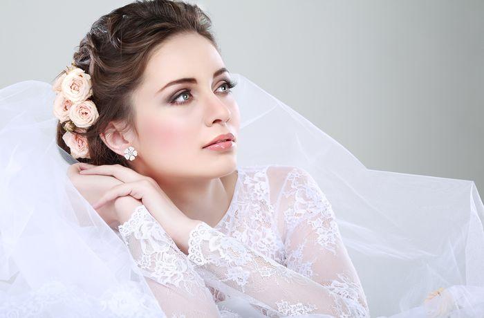 свадебные прически с диадемой и фатой 2
