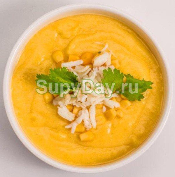Сырный суп-пюре с курицей и кукурузой
