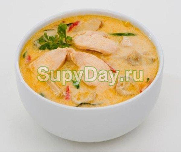 Сырный суп-пюре с курицей по-французски