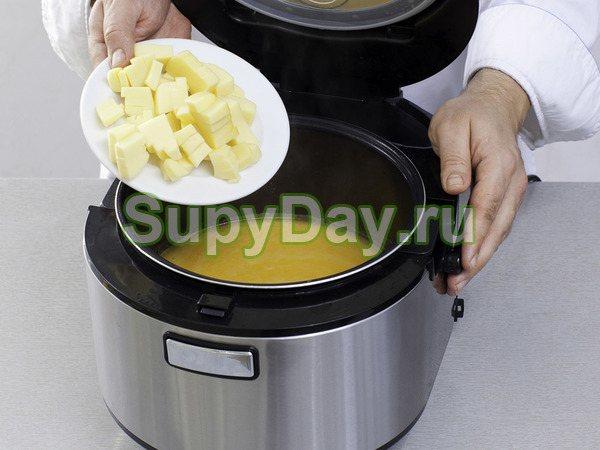 Сырный суп-пюре с курицей в мультиварке