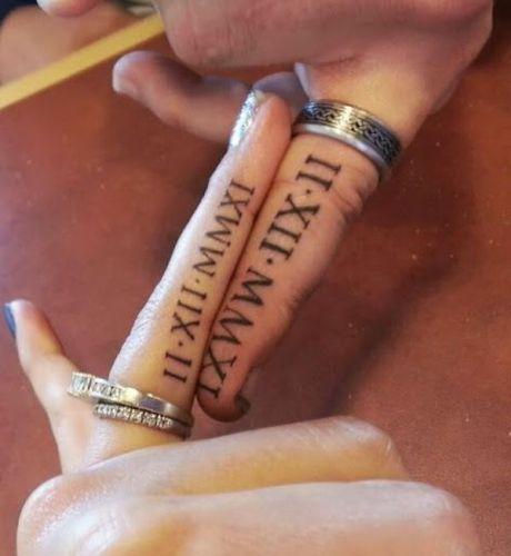 Тату с римскими цифрами на пальцах, CrazyTattoo