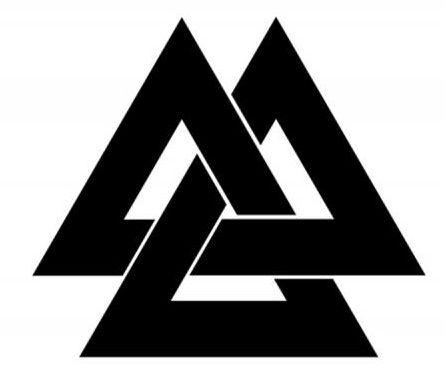 Тату с тремя треугольниками