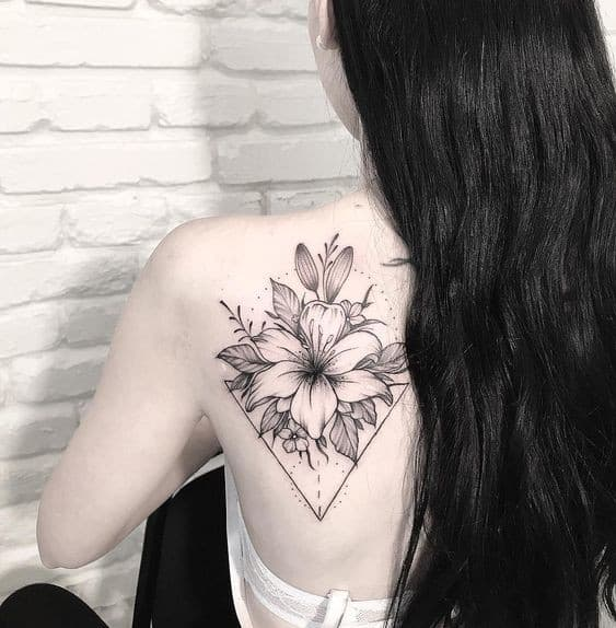 татуировка лилия фото