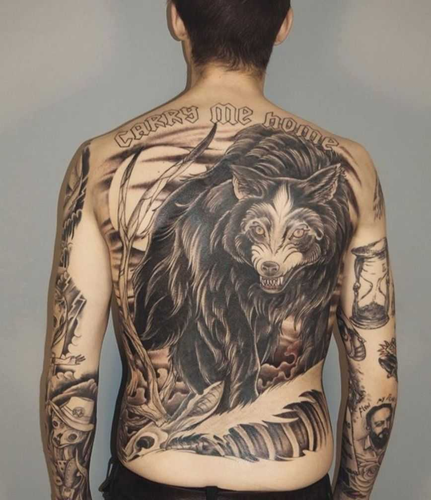 Татуировка на мужской спине