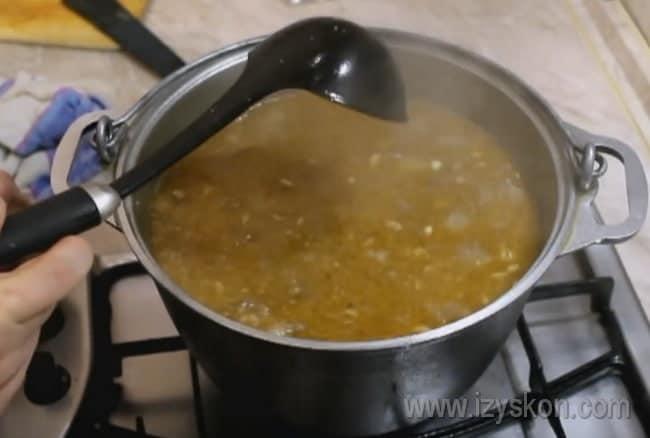 Теперь вы знаете, как приготовить сытный суп харчо из говядины.