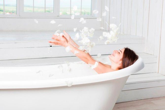 Теплая ванна с содово-солевым раствором