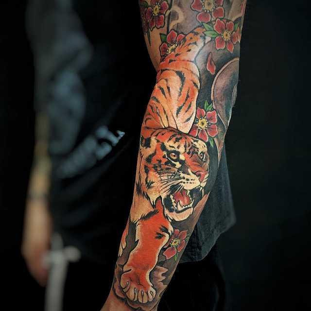 тигр тату рукав