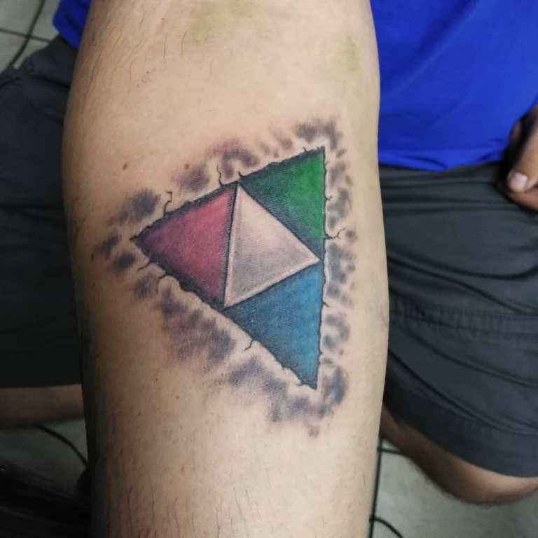 треугольные тату