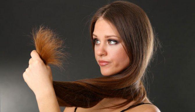 у девушки ломкие волосы