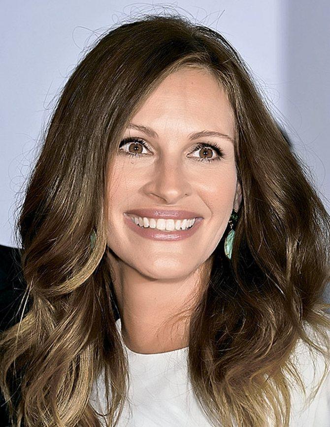 У Джулии Робертс от природы идеальная улыбка. Многие пациенты просят сделать им такую же.