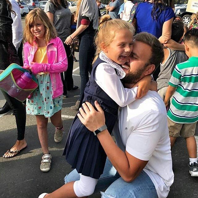 «Удачи в борьбе за Монику!»: бывший муж Анны Седоковой забрал у нее младшую дочь