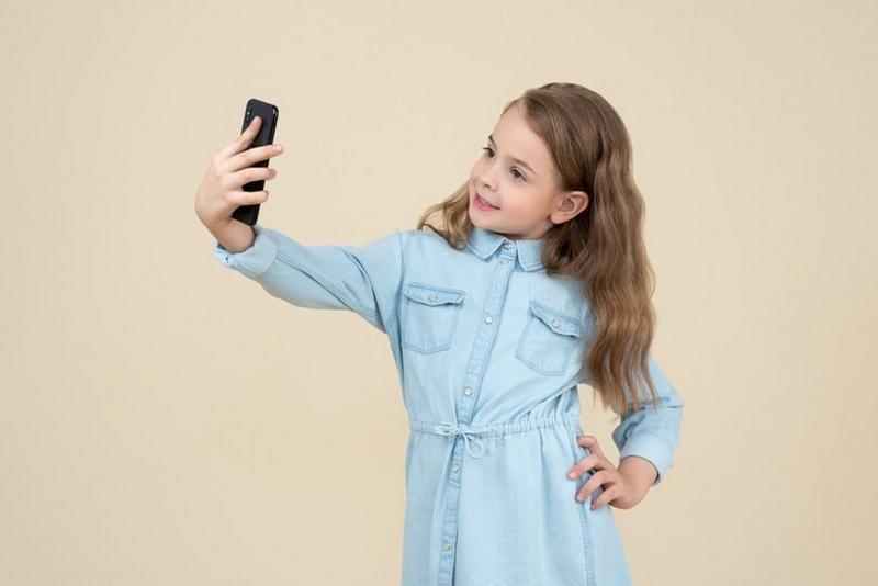 Удивительно, но блогерами сейчас могут быть даже дети.