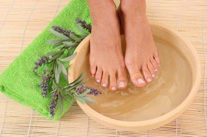 Уход за ногтями на ногах в домашних условиях: ванночки для укрепления и питания
