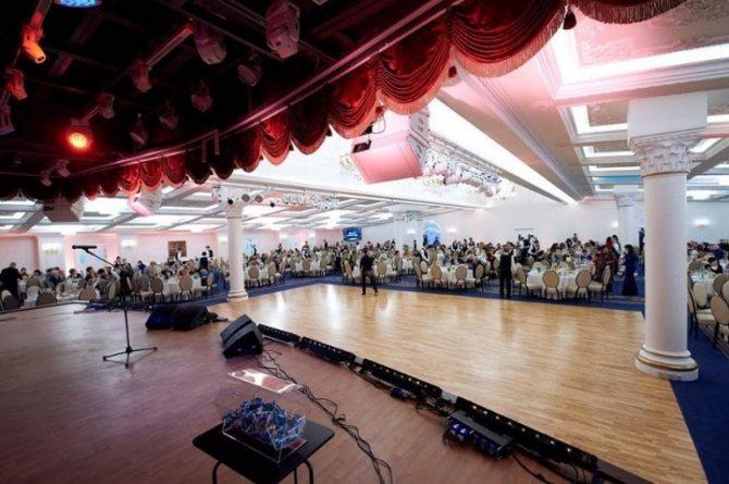 В банкетном зале Triumph Event Hall состоялся благотворительный бал,