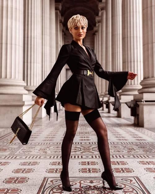 В черном! Модная черная одежда и черные образы от модных блогеров