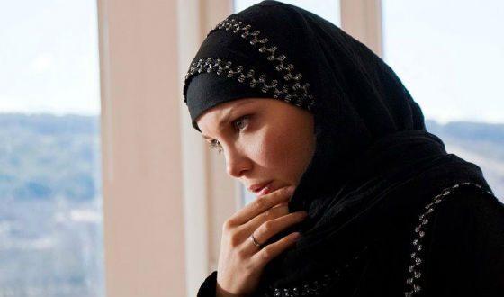 В «Виктории» Татьяне Арнтгольц пришлось примерить хиджаб