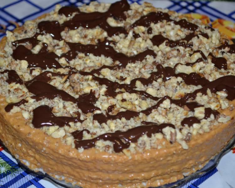 вафельный торт с грецкими орехами и сгущенкой