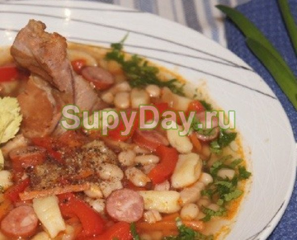 Венгерский фасолевый суп «Боб Левеш»