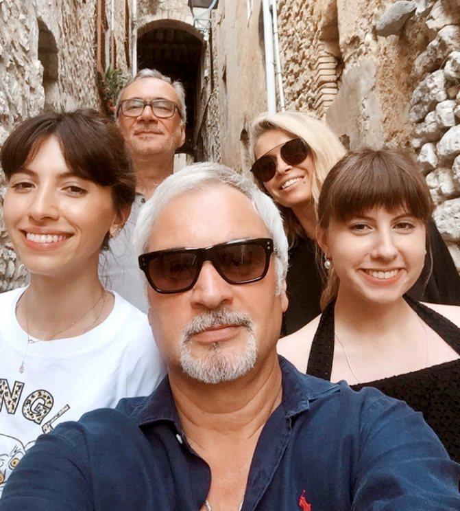 Вера с братьями Меладзе и дочками Валерия на отдыхе в любимой Италии