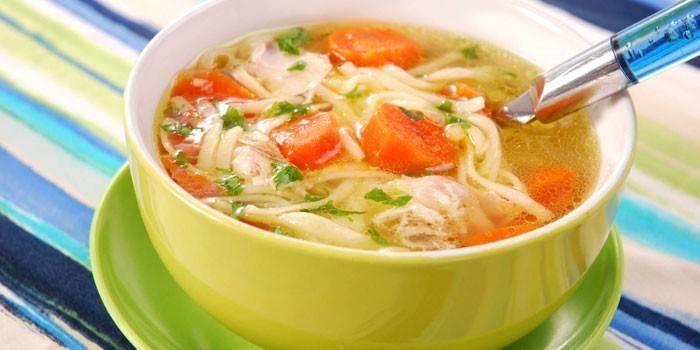 Вермишелевый суп на курином бульоне